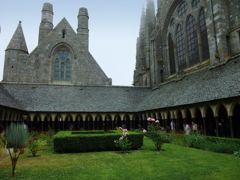 inside walls of mount saint michel