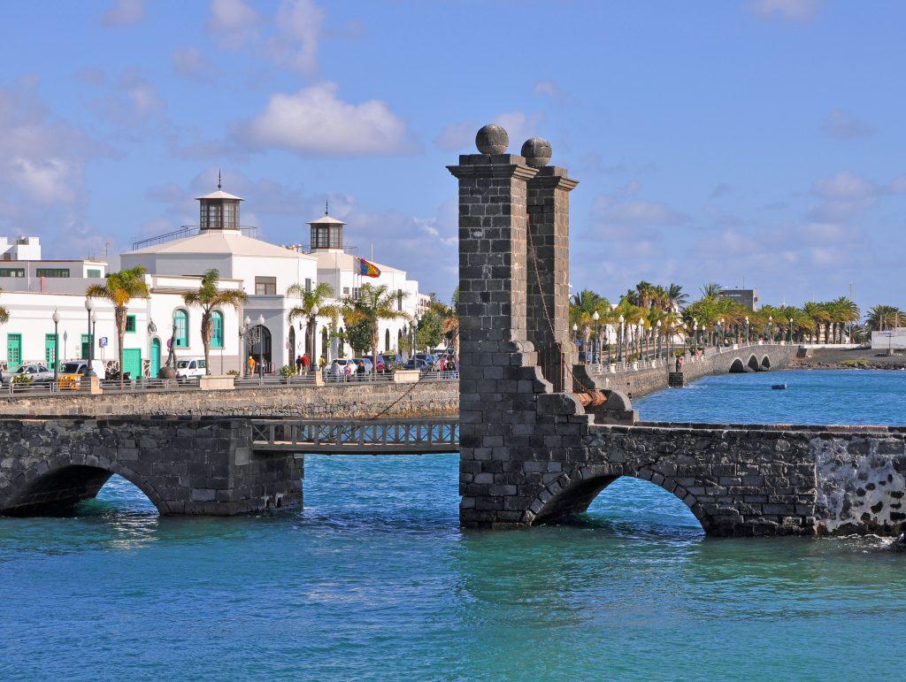 Lanzarote Arrecife Bay