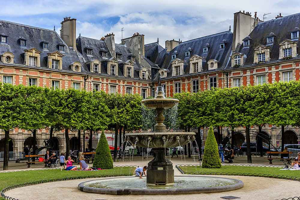 Le Marais is included in the visit