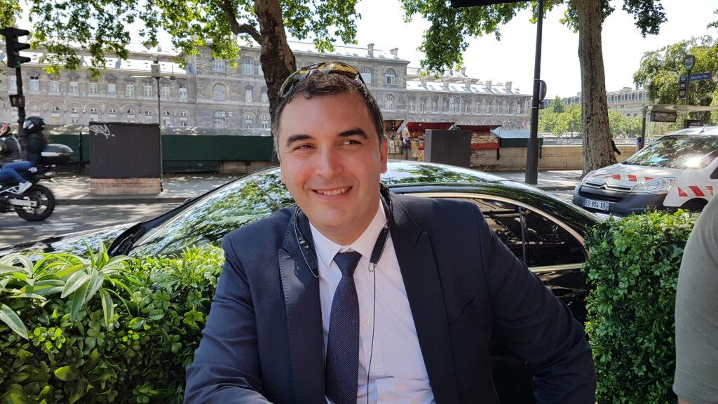 Sam Driver in Paris