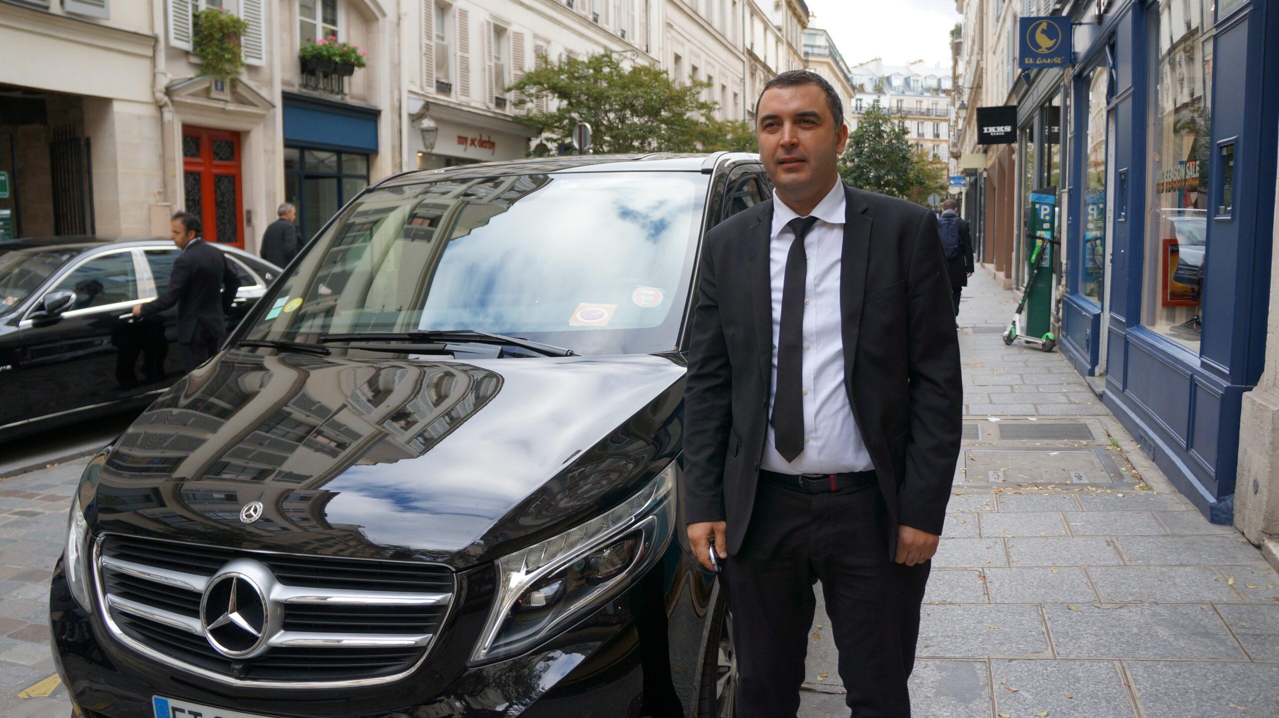 Sam Driver Paris Rue des Rosiers 2