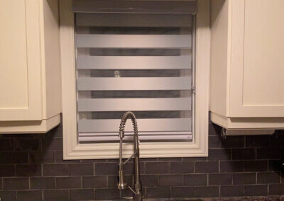 small-kitchen-blinds