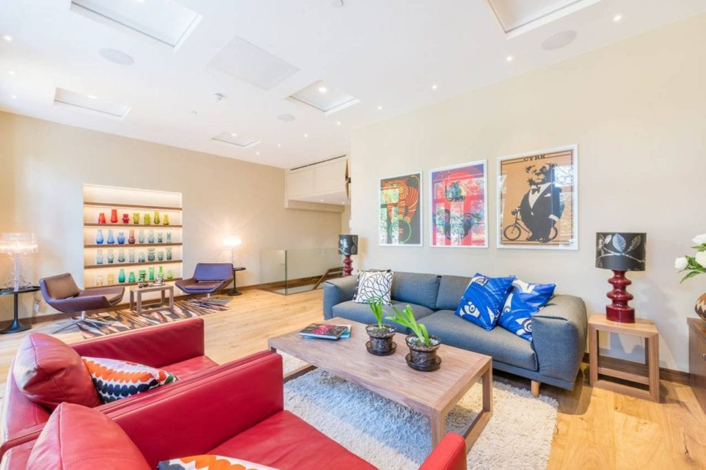 Lounge area (ground floor)