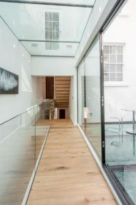 montpelier terrace 5 corridor - original