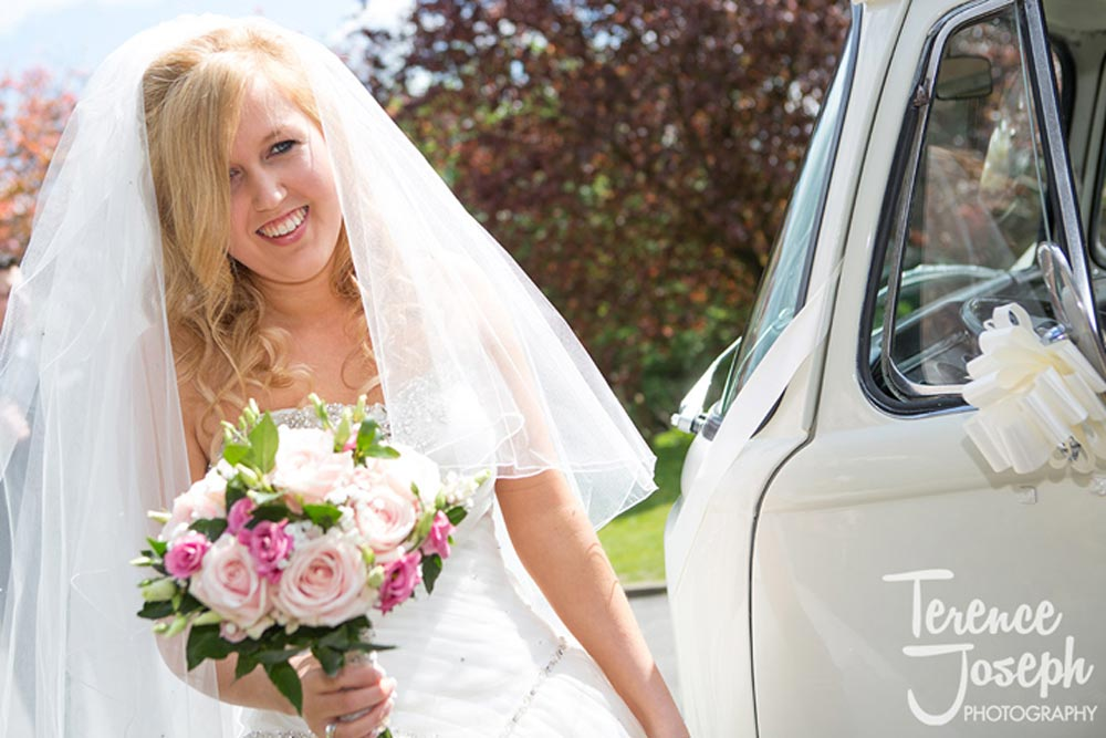 Summer bride before her ceremony