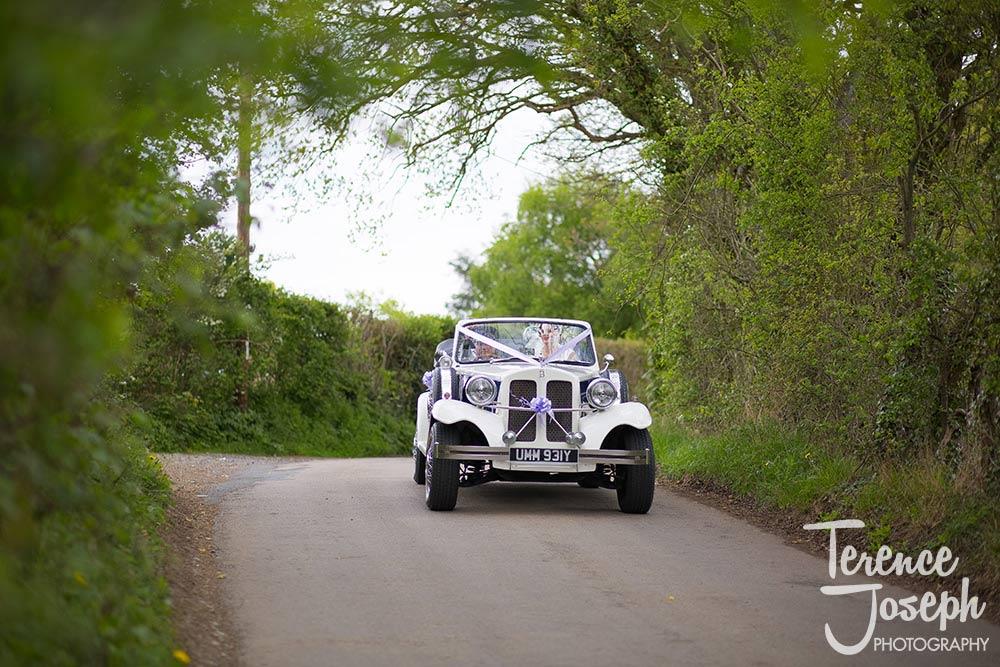 Bridal wedding car at The Plough at Leigh