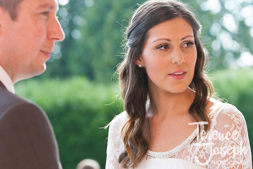 Outdoor wedding at Oakwood House in Maidstone