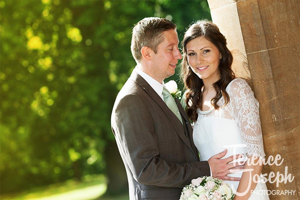 Summer sunshine wedding portraits at Oakwood House in Maidstone