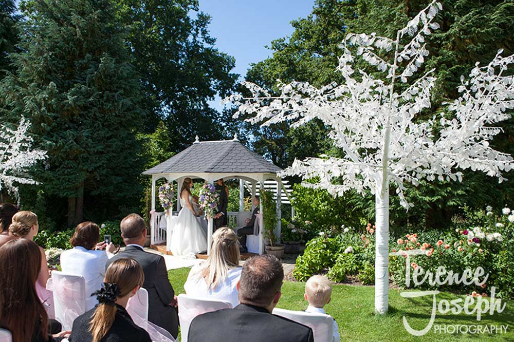 Outdoor Garden Ceremony in Summer