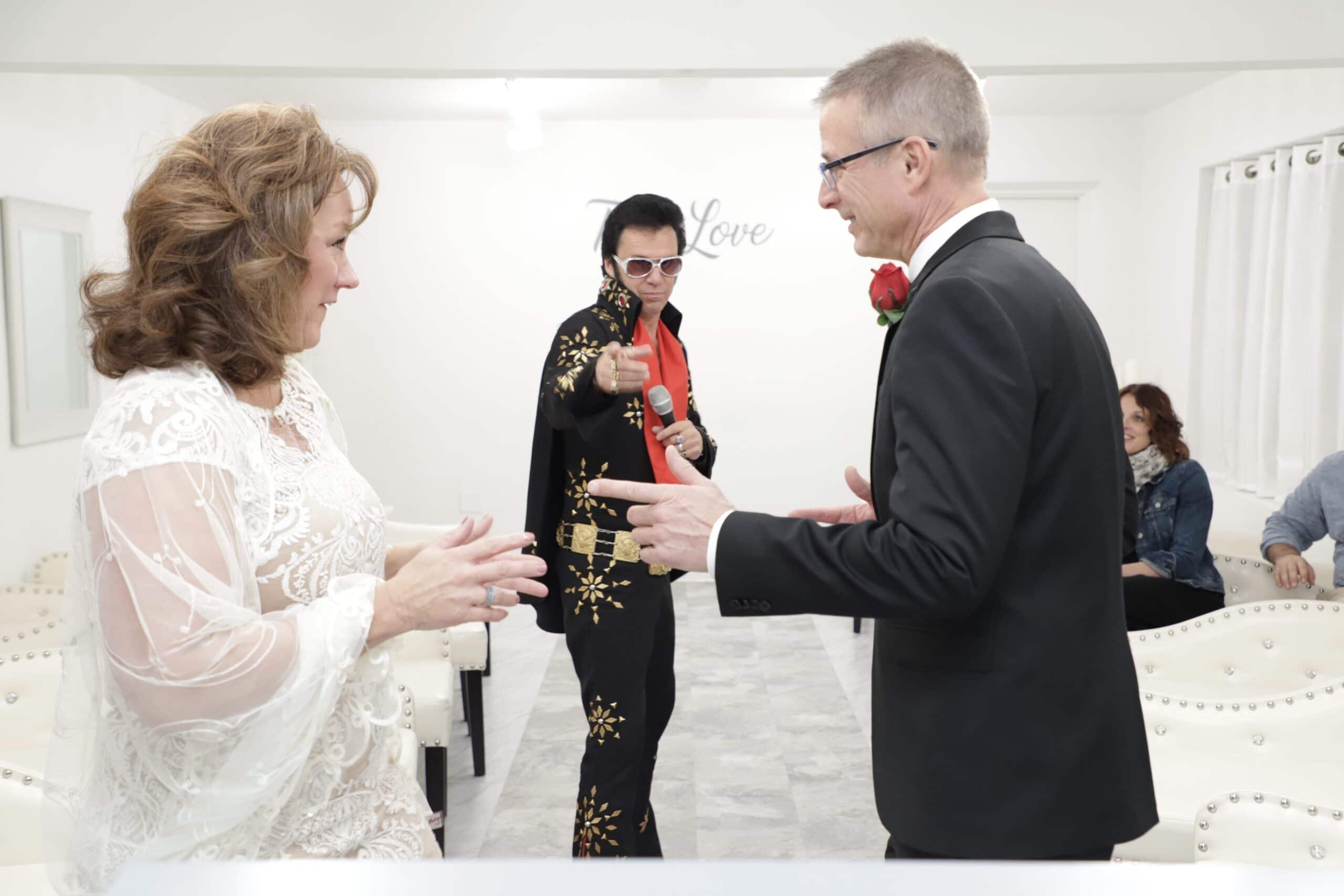 las vegas wedding chapels elvis wedding