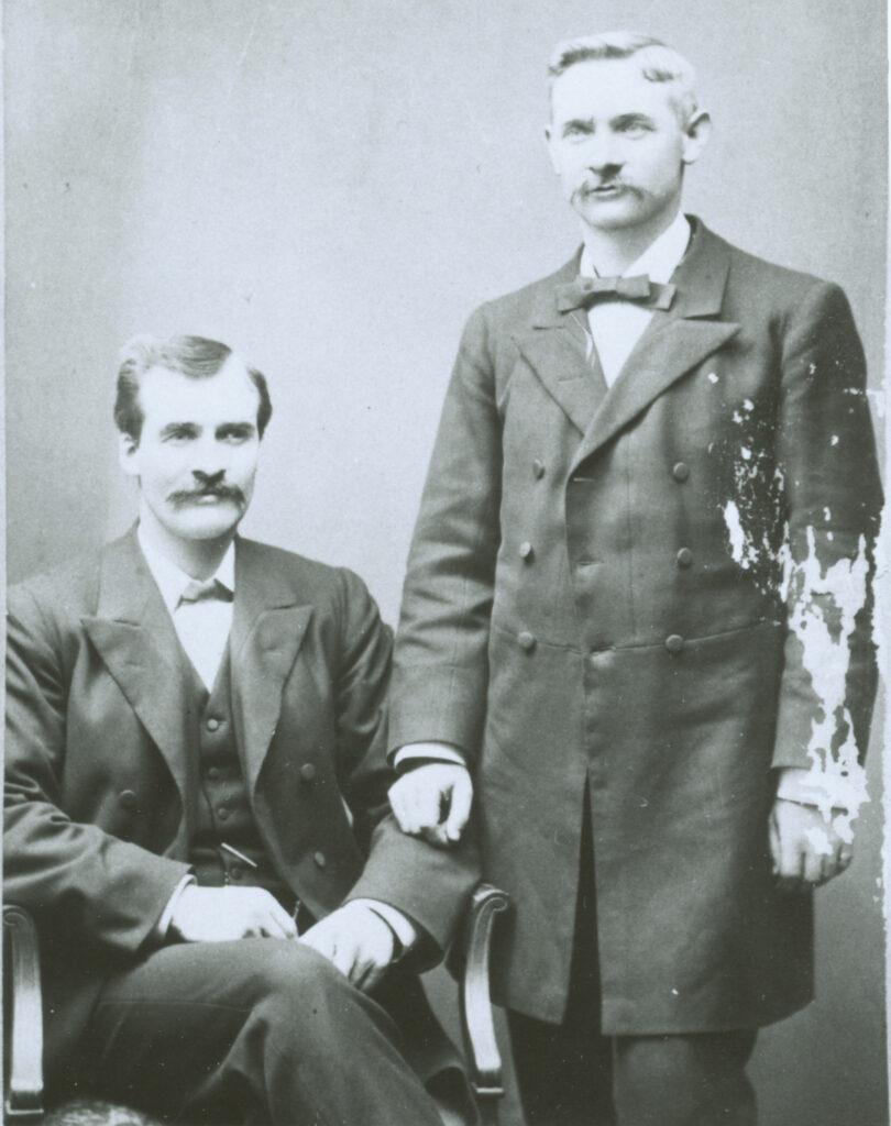 1895 Anson Bowen & Willard in England