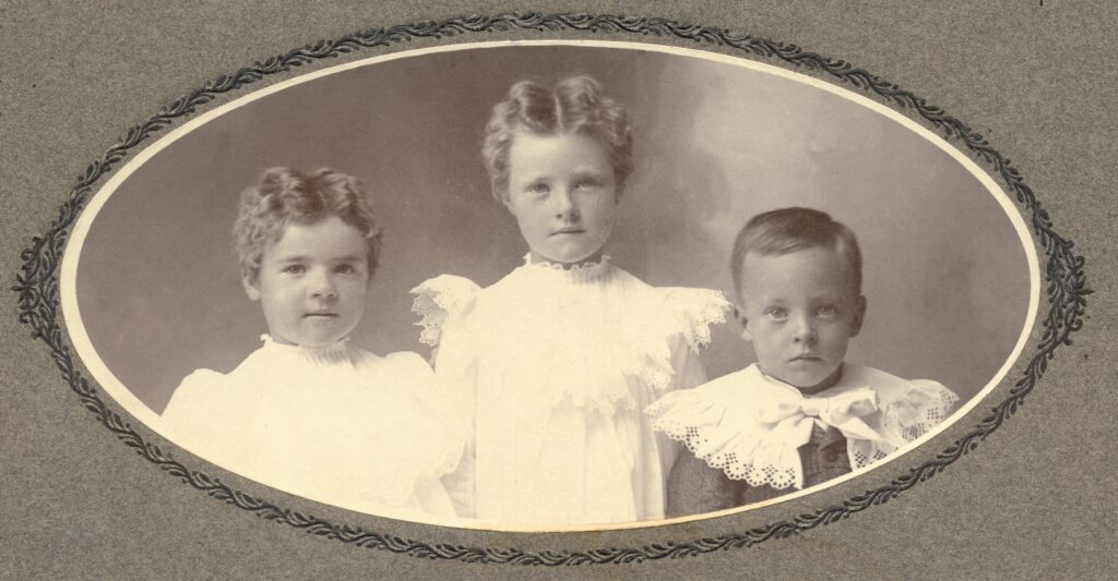 c. 1902 Florence Leah, Mildred Theresa, Anson Bowen Call