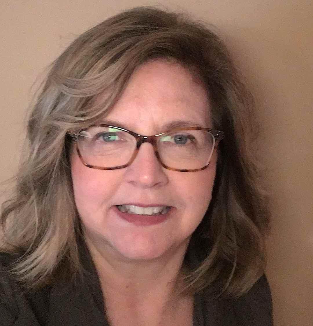 Beth Campagno author head shot