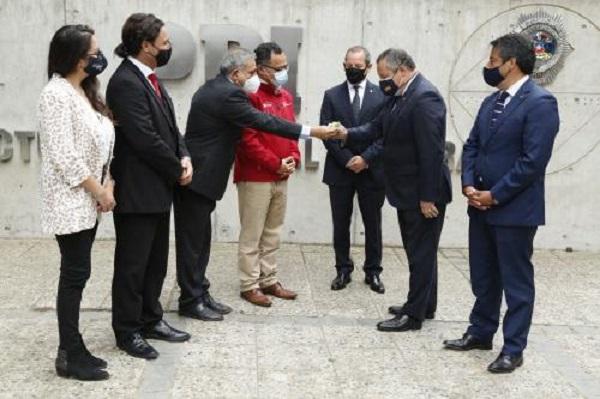 PDI recibe nuevos vehículos del Gobierno Regional para unidades operativas de la zona