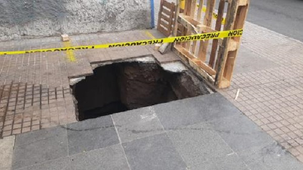 Descubren túnel que se dirigiría a entidad financiera en el centro de San Antonio