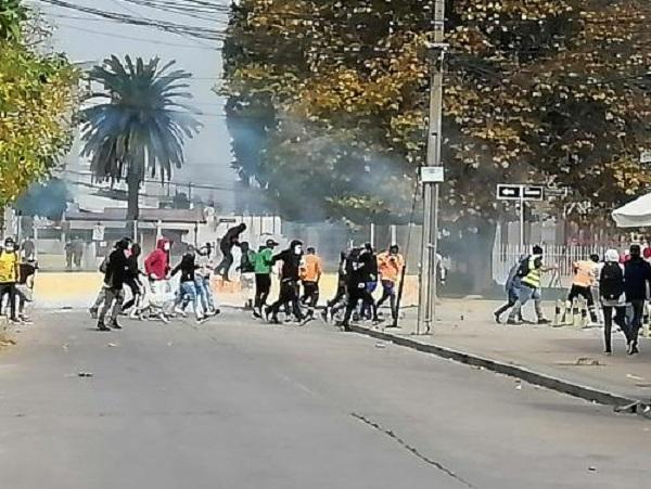 Enfrentamientos y barricadas marcaron segunda jornada de paro de portuarios