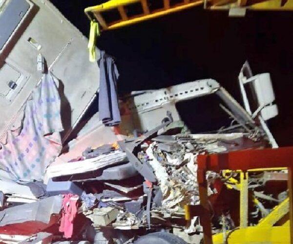 Conductor en estado de ebriedad provocó colisión de camiones