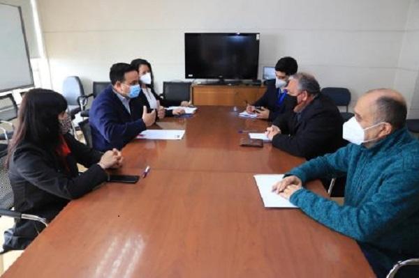 Gobernador Rodrigo Mundaca se reúne con director de Sercotec para avanzar en el traspaso de competencias