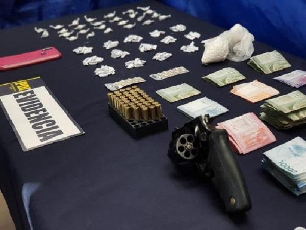 PDI incautó droga, armamento y municiones: dos detenidos