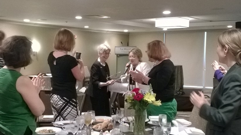 NASJE President Jill Goski presents the Karen Thorson Award to Dr. Patricia H. Murrell.