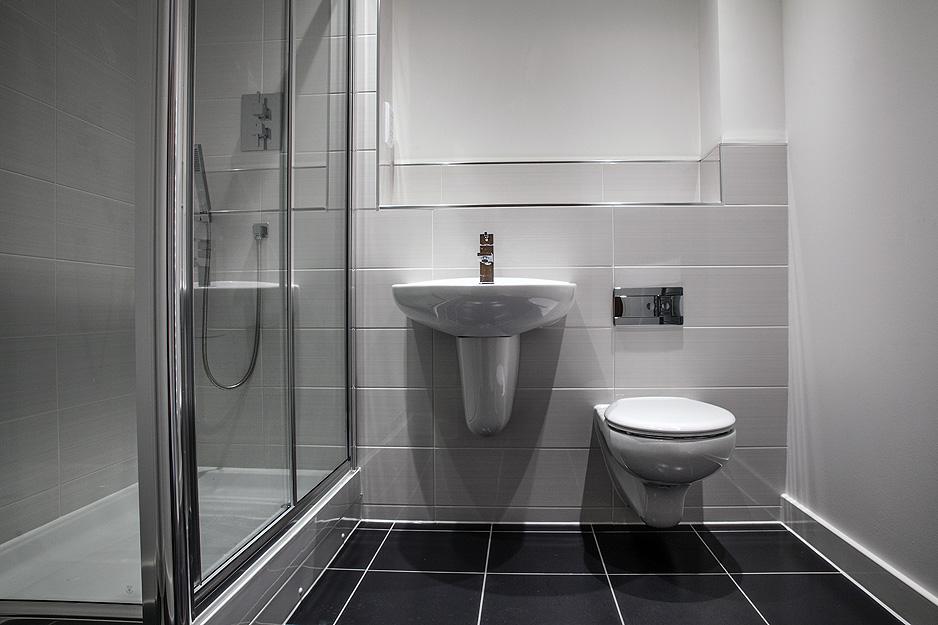Framed corner shower