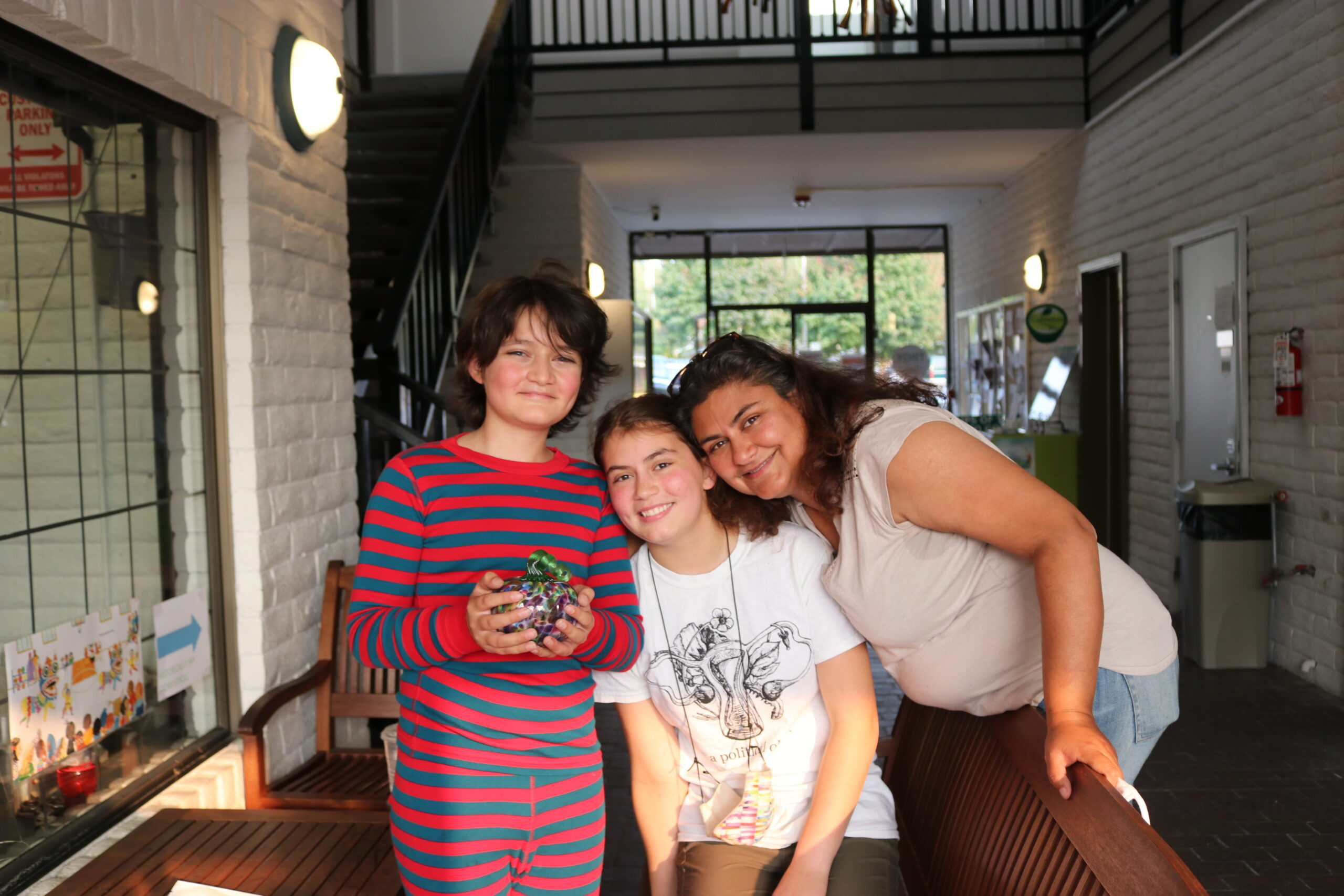 Oliver, sister and mother
