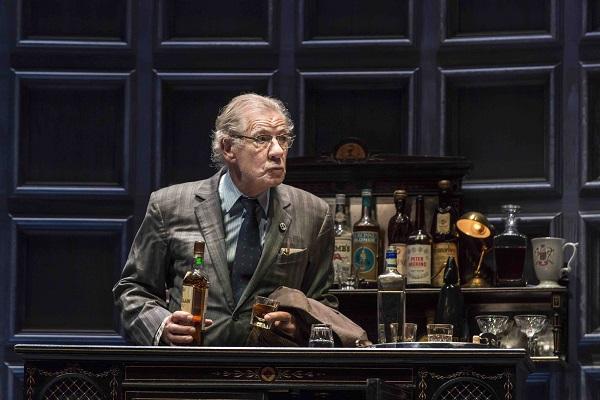 Ian McKellen as Spooner in No Man's Land. Credit Johan Persson.jpg