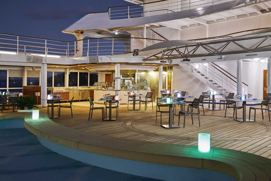 silversea-luxury-cruises-the-grill-silver-shadow
