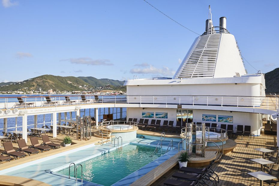 silversea-ship-silver-shadow-public-area-pool-deck-1