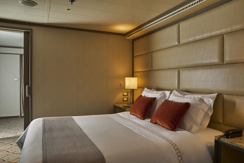 silversea-ship-silver-shadow-silver-suite-01