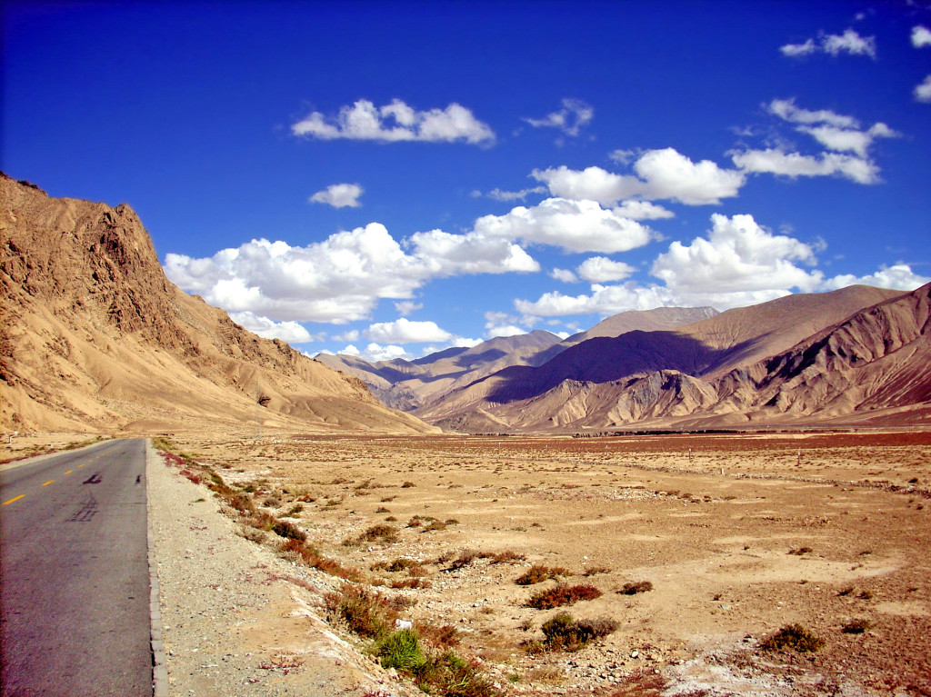 Xinjiang - baren landscape with road