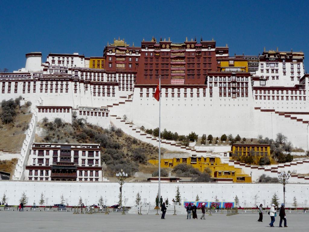 shutterstock_130853492 potala palace lhasa tibet