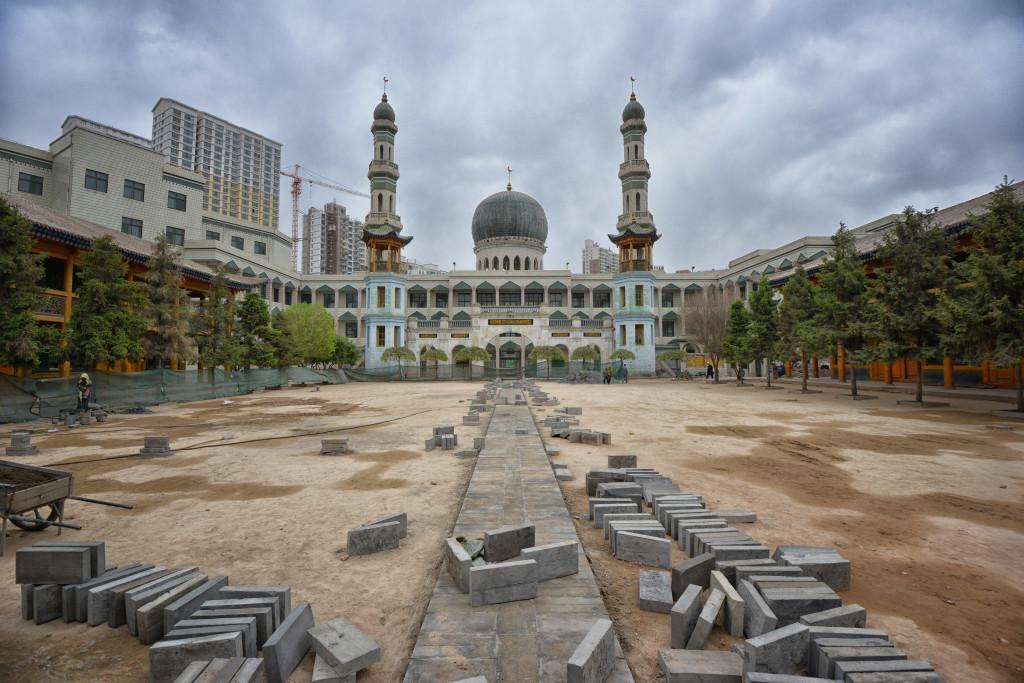 shutterstock_138978014 grand mosque xining dongguan qinghai