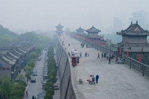 shutterstock_114629125 Shanxi, Tourists walk on the South Gate of Xian City Wall