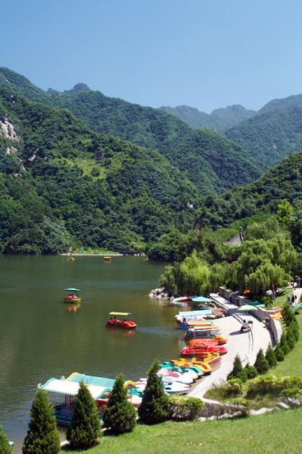 shutterstock_15081829 Shanxi, Lake in the Cuihua mountain