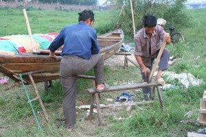 shutterstock_556487 Zhejiang, reparing boat