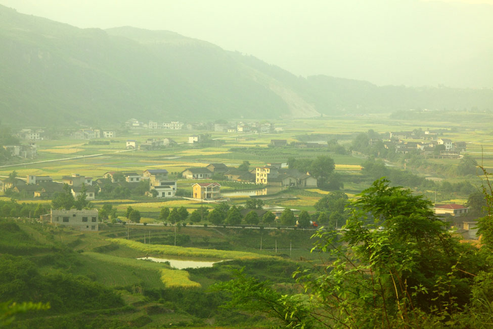 shutterstock_77172364 Hunan, Farmland and houses in China
