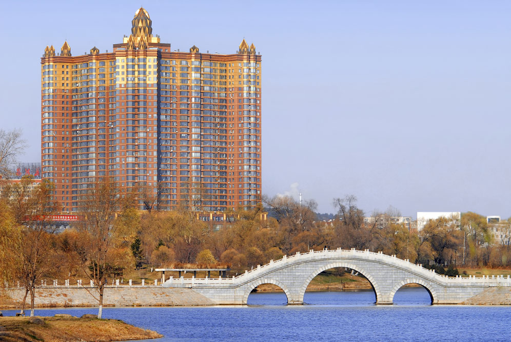 shutterstock_21075718-1 Jilin, Residential skyscraper and public park in Jilin