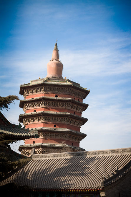 shutterstock_69502993 Henan, Pagoda built 1000 years ago, in Anyang City, Henan, China