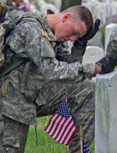 Soldier-prayingfortheLovedones.
