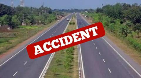 आरा:सड़क हादसे में आभूषण कारीगर की मौत, पत्नी व बेटी जख्मी