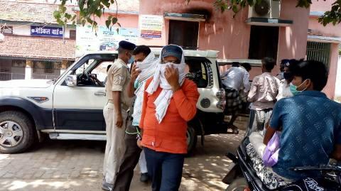 ऑफिस में जाम छलका रहे शिक्षा विभाग के तीन कर्मी गिरफ्तार