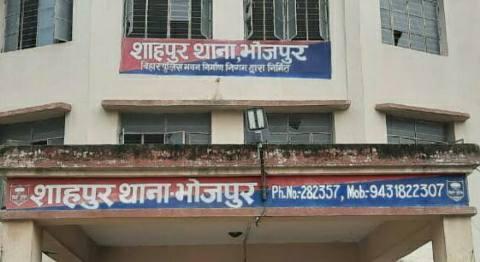शाहपुर में किराना दुकानदार के पुत्र को मारी गोली, सनसनी