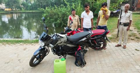 Imadpur-police-bike-man-arrested-liquor