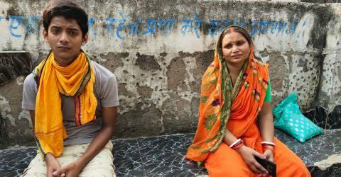 Koilwar-Pachaina-Bazaar-sad-woman.jpg