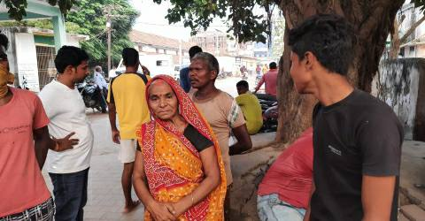 Saraiya-Bazar-woman