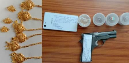 Jewelry robbery exposed : raids in search of master mind and gang leader