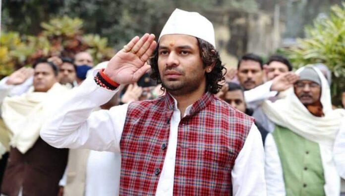 Tej Pratap Yadav rages on RJD state president Jagdanand Singh