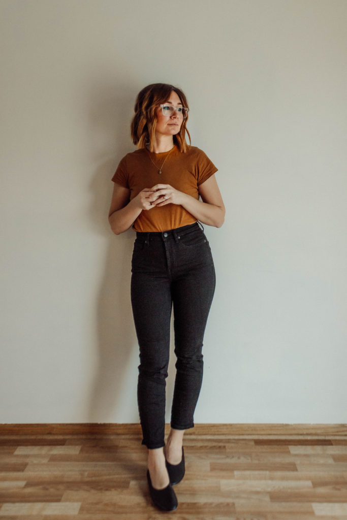 Everlane Denim Guide, Everlane Denim Review, Black Jeans, The Most Comfortable Jeans, Cigarette Jeans, High Waisted Jeans