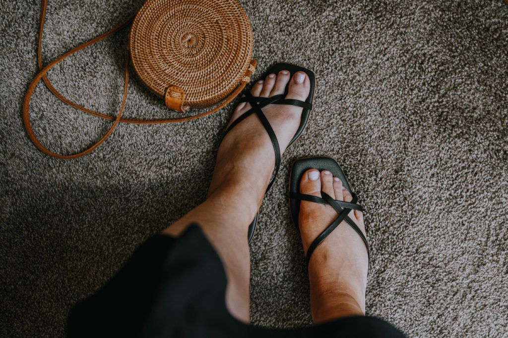 Everlane Sandal Comparison: the Day Sandal Vs. the Strappy Sandal